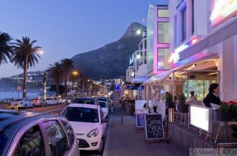 I've already written an entire post on the excitement and nightlife at the Waterfront. Well Camps Bay is another area of Cape Town with a lively restaurant and bar scene at night.