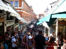 Shops on Rialto Bridge